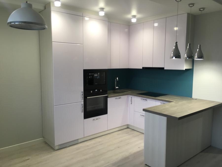 Белый кухонный гарнитур-Кухня МДФ в ПВХ «Модель 63»-фото1
