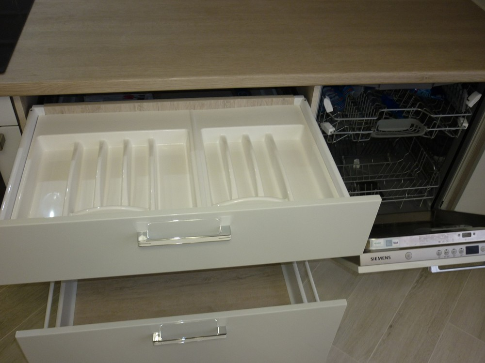 Акриловые кухни-Кухня из пластика «Модель 319»-фото6