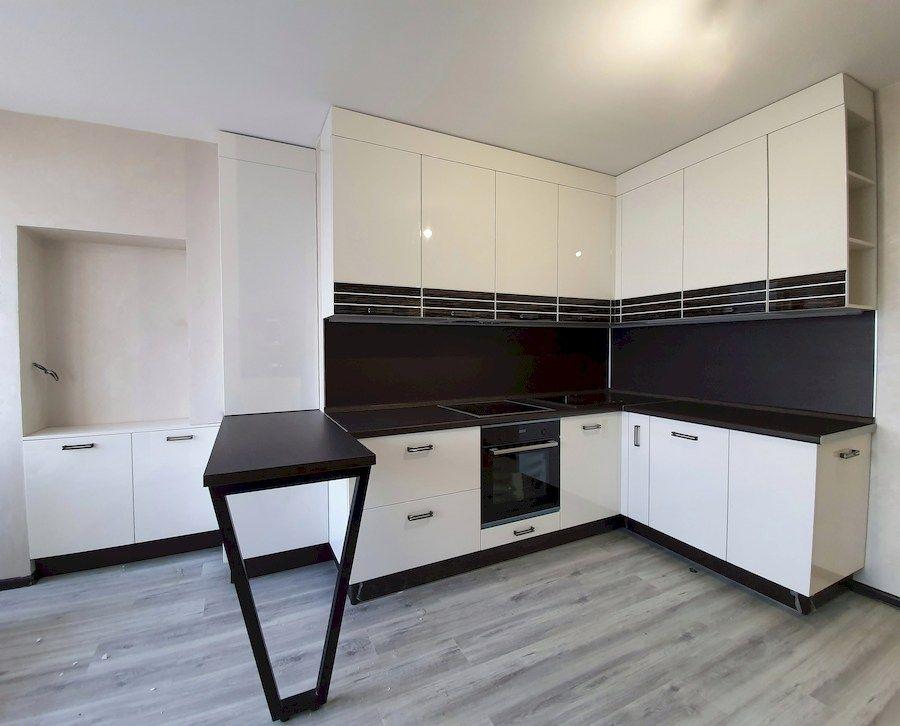 Белый кухонный гарнитур-Кухня из шпона «Модель 560»-фото1