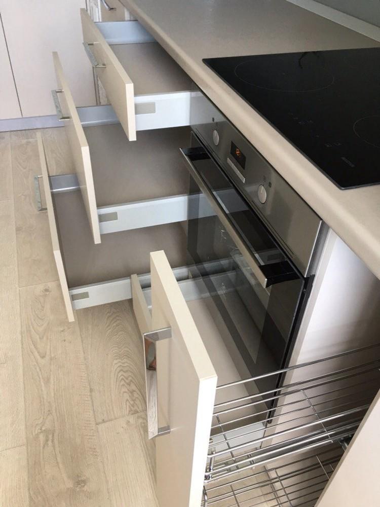Белый кухонный гарнитур-Кухня МДФ в ПВХ «Модель 168»-фото9